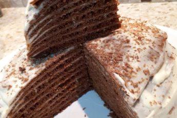Волшебный нежный шоколадный торт из наливных коржей. Такой мягкий, что тает во рту!